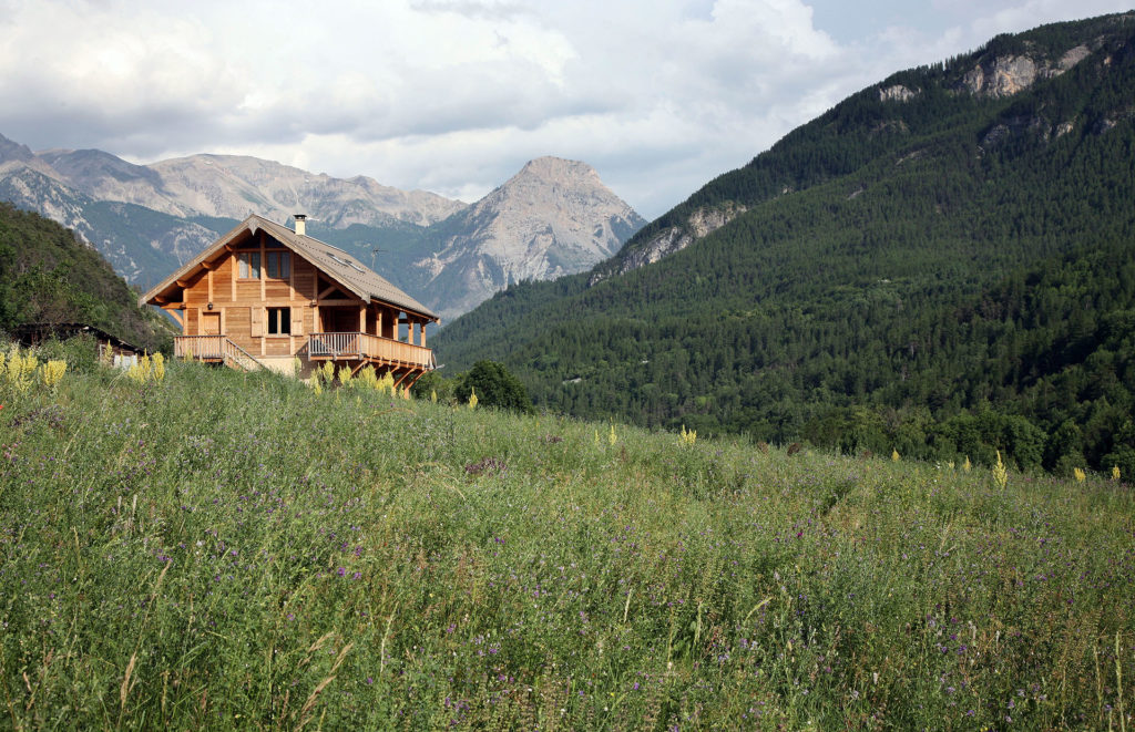 Chalet Gyronde including two ground floor apartments
